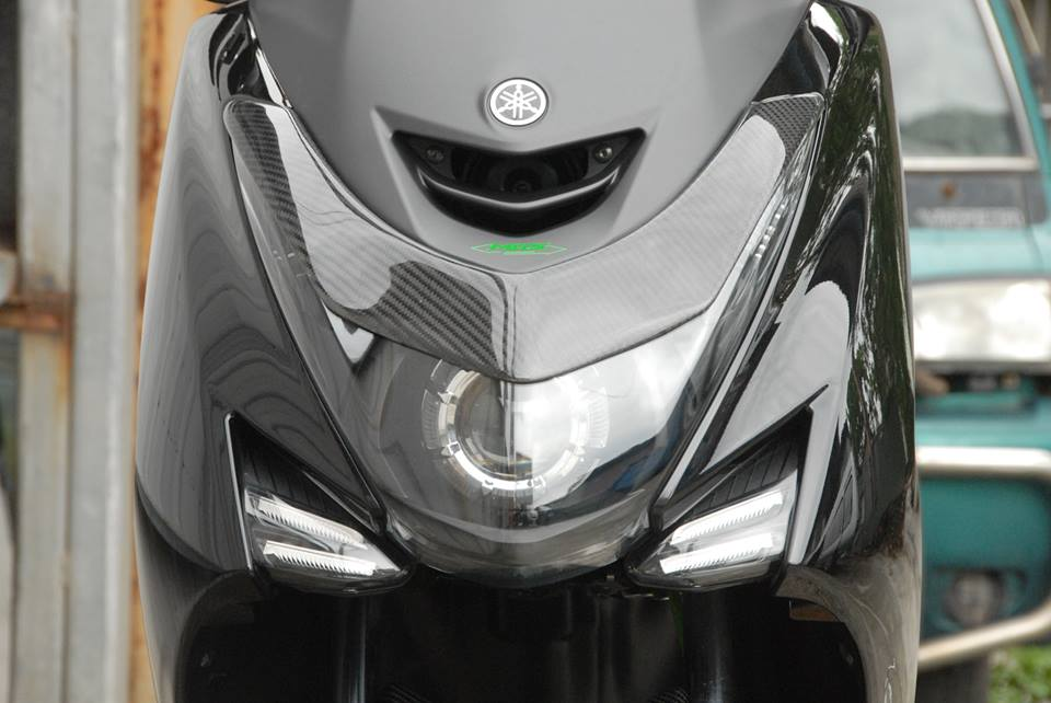 Carbon fiber headlight decoration for yamaha s max 155 for Decoration yamaha